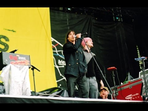 Red Hot Chili Peppers - Cardiff, Wales 2004 (Soundboard)