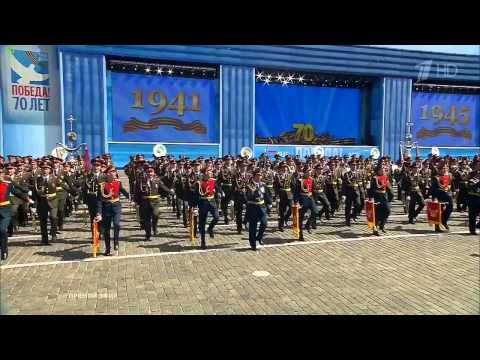 AWESOME SINGING OF RUSSIAN SOLDIERS ALIVE AT MOSCOW PARADE