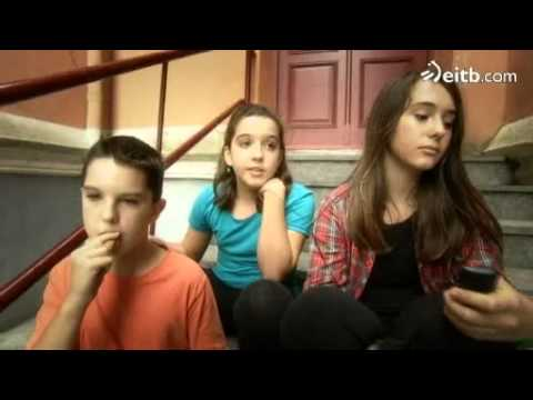 'DBH' telesaila: Elena Irureta, Gizarteko irakaslea