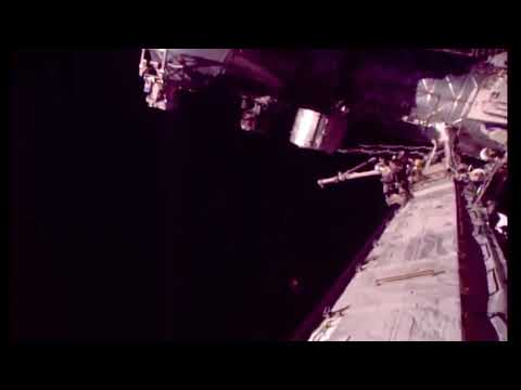 Nasa tracks ufo on ISS then cuts feed (watch in 720p)