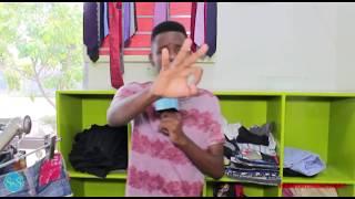 Hapa ndipo kwa Debby Mitumba Classic anayewavalisha Esco na Creez kwenye IG Life