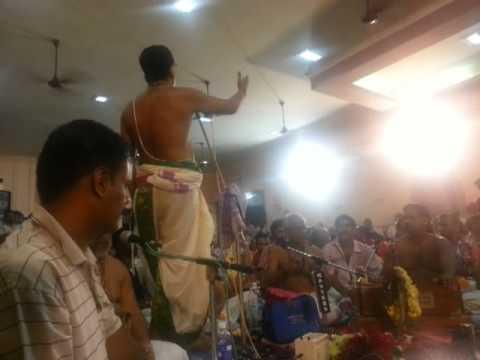 003 Raja Gopala - Kalpathy Bhajanotsavam 2013 - Sri Kalyanaram Bhagavathar