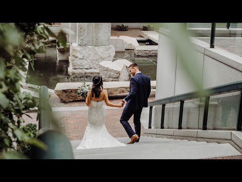 emily-+-josh-|-downtown-toledo-renaissance-hotel-wedding