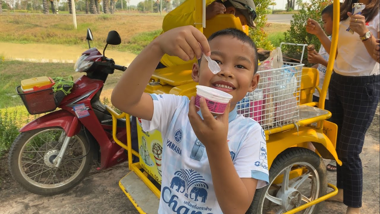 ซื้อไอติมกิน คลายร้อนกันครับ Ice Cream | fufew playtime