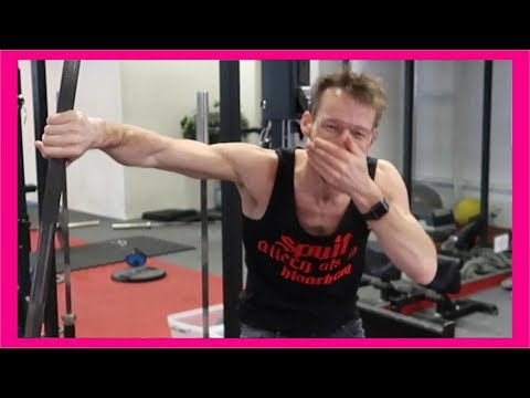 GYM FAIL 😂  TRAINEN MET MIGIBOSS | Giels Road To Sixpack