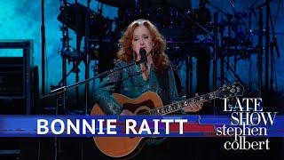 Bonnie Raitt Performs 'Angel From Montgomery'