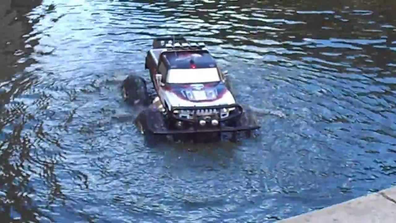 Camioneta Anfibia Dentro Del Agua Colombia Control Remoto Bogota