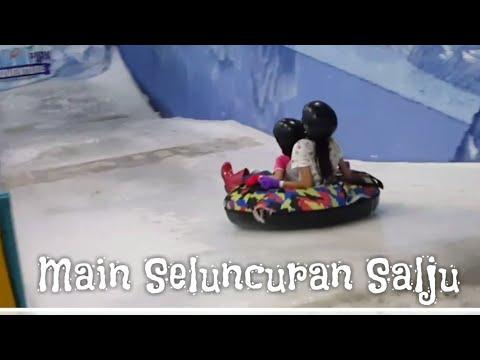 Main Seluncuran Salju Ada Di Jakarta Lho.... Snow Park Adventure