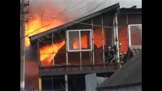Мощнейший Пожар на Нелегальном СТО.(http://magnolia-tv.com/ Пылал, трещал и дымился один из ангаров в столичном микрорайоне Бортничи. Более двухсот сгоре..., 2014-12-22T11:00:41.000Z)