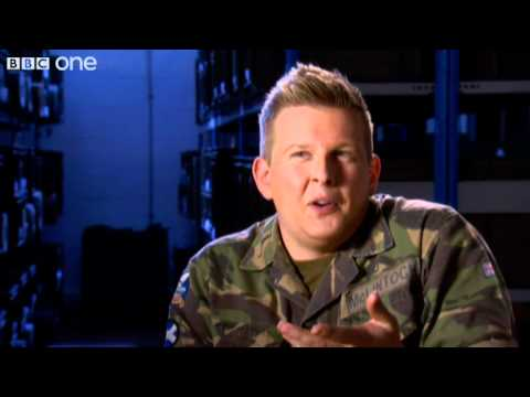 Soldiers' vs Bakers' pay - Gary: Tank Commander, Series 2 - BBC One Scotland