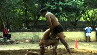 [2.46 MB] Traditional Indian wrestling: Pehlwani