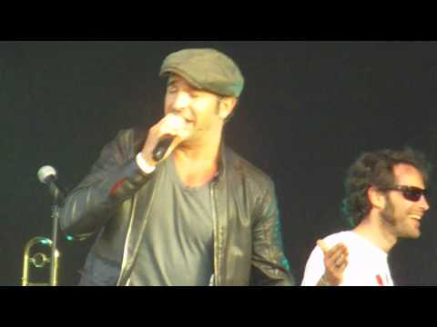 Printemps solidaire 2010 - Jean Dujardin - Bambino live