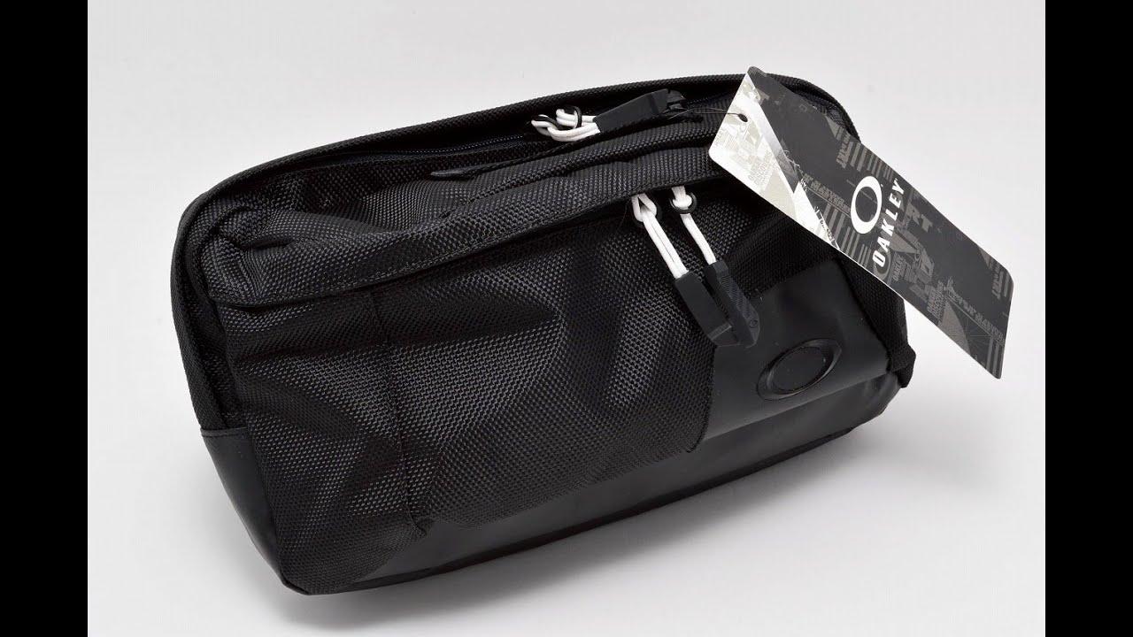 oakley pouch