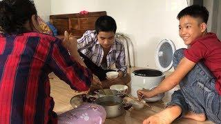 Một Ngày Của 3 Mẹ Con Hiếu Hiền, Cô Minh Đã Tự Nấu Ăn
