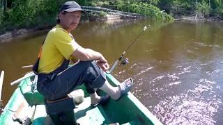 Рибалка на р Молома.