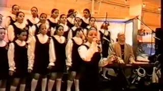 CLOSE TO YOU -  Meninas Cantoras de Petrópolis na Feira Internacional de Lisboa em 2002