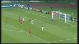 On the way of Messi and Maradona  a Japanese female player scored a brilliant goal.FLV