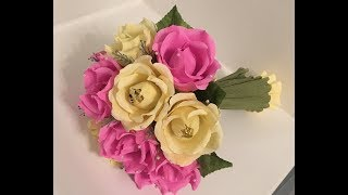 Ручной букет с розами из конфет