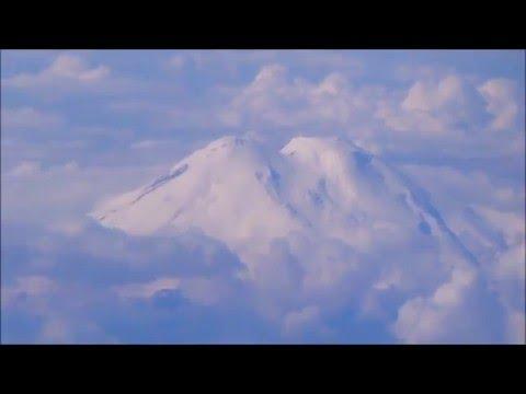 ЭЛЬБРУС с высоты. Вид из иллюминатора самолета Ереван-Москва.
