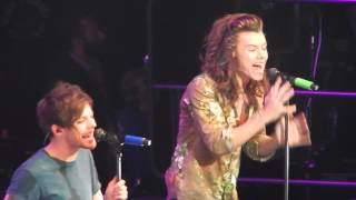Video Perfect - One Direction (Triple Ho Show 2015) download MP3, 3GP, MP4, WEBM, AVI, FLV Desember 2017