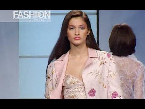 VALENTINO Spring Summer 2000 Paris - Fashion Channel