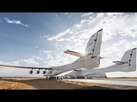 First flight of the largest Airplane in the World STRATOLAUNCH carrier aircraft