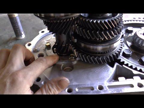Mitsubishi Outlander ремонт МКПП замена подшипника первичного вала