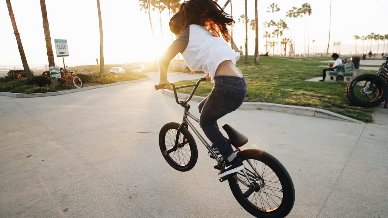 Bike Girl Live Wallpaper Girl Tries Bmx On Venice Beach Youtube