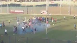 مصر: الأهلي يوقف تدريباته بعد إعتداء بعض الجماهير على اللاعبين