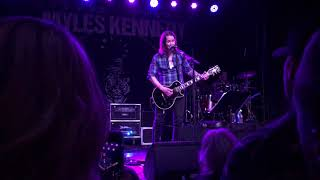 Gambar cover Myles Kennedy - Love Can Only Heal (live Asheville, NC - 12/03/18)