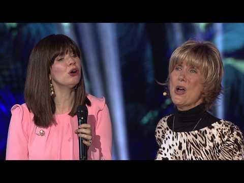 """True Woman '14: Joni Earekson Tada and Krystin Getty Sing """"Good Shepherd of My Soul"""""""