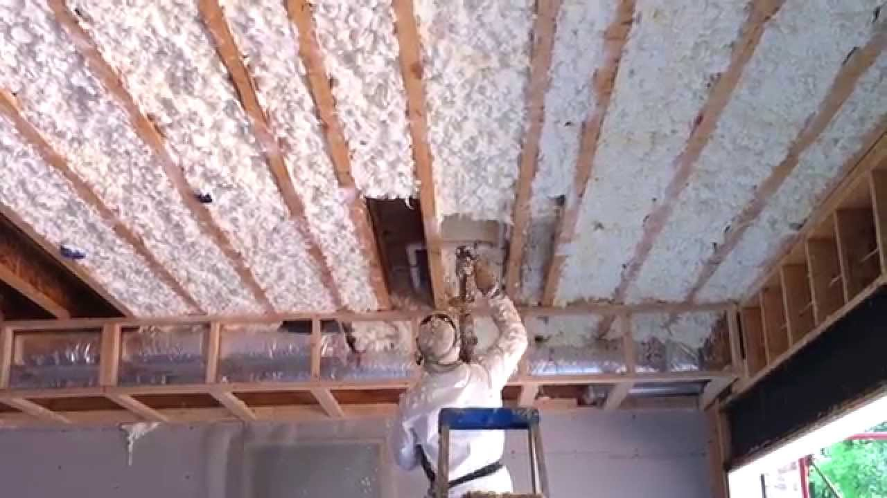 Spray foam insulation installation youtube spray foam insulation installation solutioingenieria Image collections