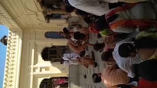 आचार्य श्री विद्यासागर जी महाराज और ससंघ आहार चर्य के लिए जाते हुए।