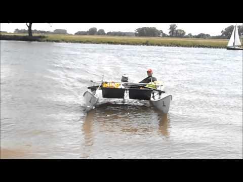 hobiecat met buitenboord motor  slijterij de slijter www deslijter com