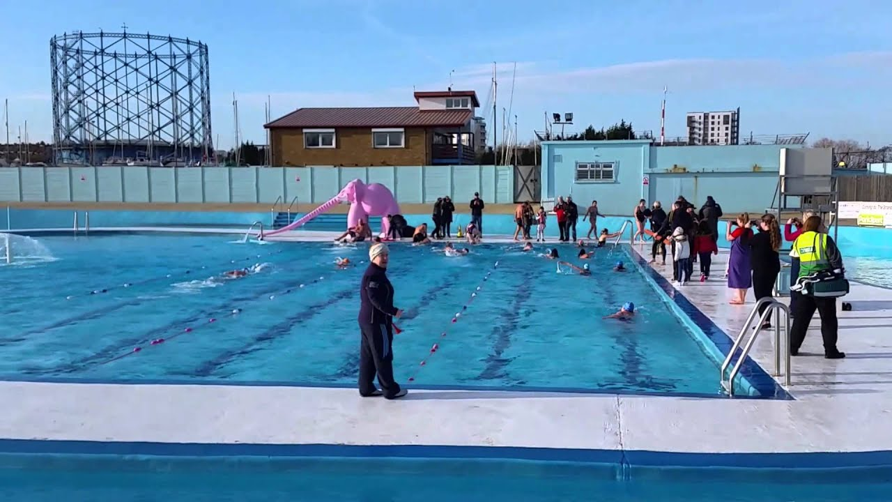 Thirty swimmers brave the cold at the strand in gillingham - The strand swimming pool gillingham ...
