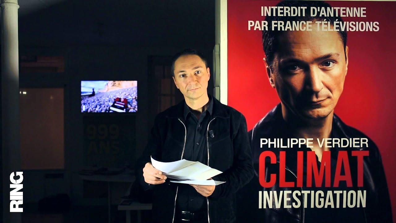Philippe Verdier ouvre sa lettre de licenciement / Philippe Verdier opens his letter of dismissal