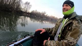 Ямы Коряги Зима ! Джиг с лодки ! Ищем хищника р Десна