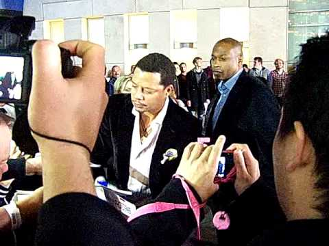 Terrence Howard signing autographs for fans @ Dead Man Down premiere 2/26/2013
