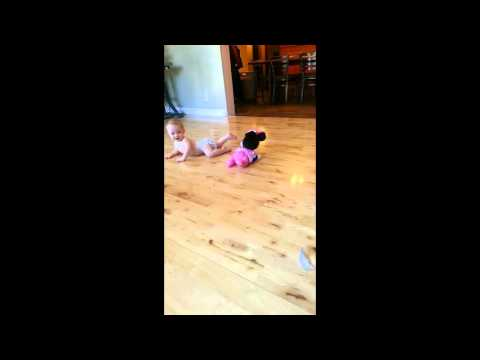 Eisley's Video Review Fisher-Price Minnie Mouse Musical Touch 'n Crawl