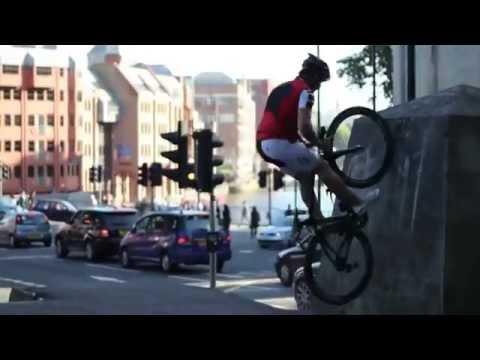 Cua rơ xe đạp đua lên thần cmnr