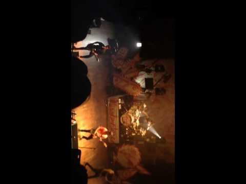 "Pierce The Veil preform ""Dive In"" @ Dallas, TX"
