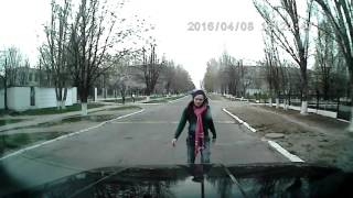Муранья Орджо(г. Орджоникидзе Днепропетровская область. Пешеходный переход. Будьте бдительны. Муранья в городе. Да, тепер..., 2016-04-09T19:42:25.000Z)