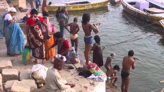 Ganga,Ganges and Ghat in Varanasi,Banaras, India in the morning (インド バラナシのガート、ガンガー、ガンジス河の朝)