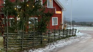 "Sweden Walks: Tällberg. ""Typically Swedish"" village on a grey winter day (4k, natural sound)"
