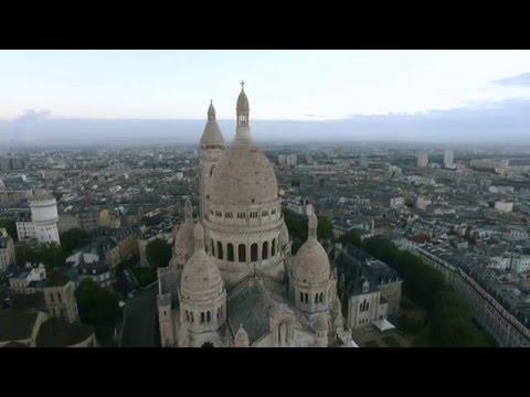 La Basilique du Sacré-Coeur de Montmartre vue du ciel!