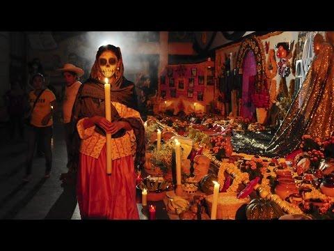 FIESTA TRADICION - DIA DE LOS  MUERTOS EN OAXACA - THE DAY OF THE DEAD.  PARTE 1