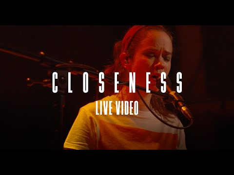 lilly among clouds - Closeness (Mojo Club Hamburg // Green Flash Tour 2019/2020)