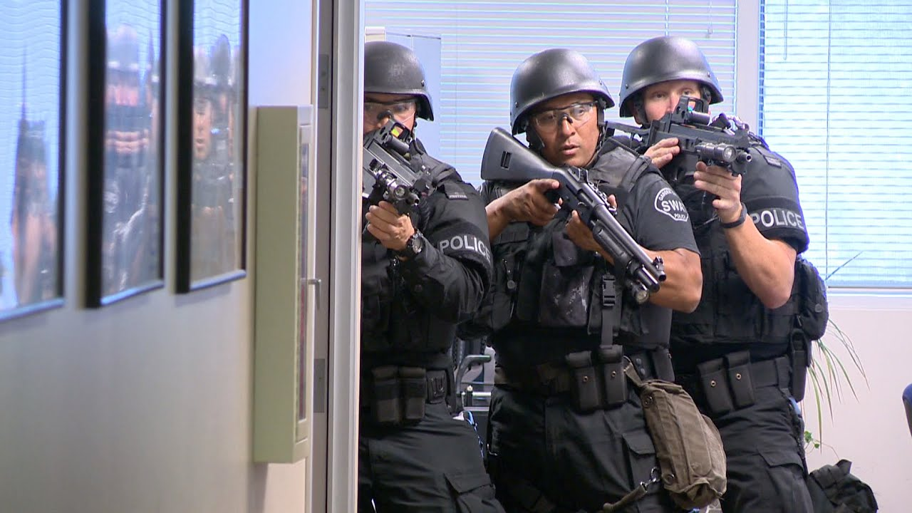 swat team conducts active shooter training exercise youtube