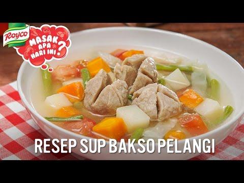 Membuat Sup Bakso...