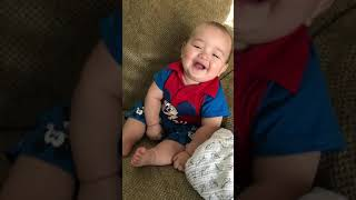Em be cuoi / Baby laughing 😂 123 Cuoi 😂